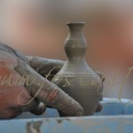 Mani e vaso